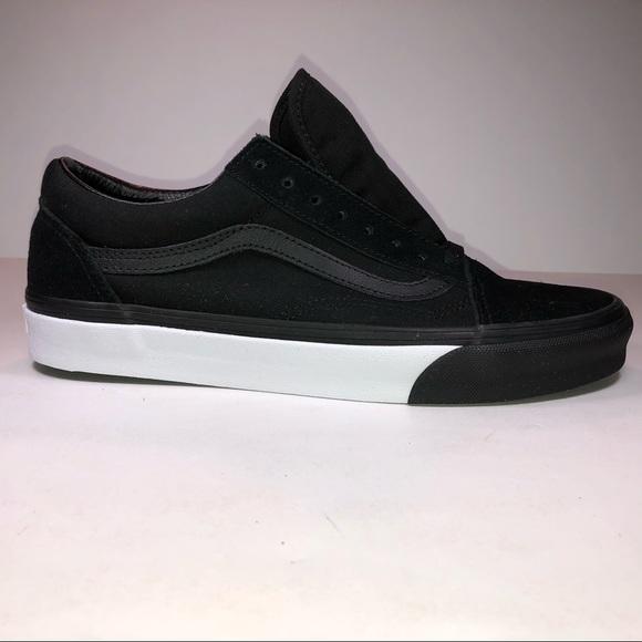 df4d53fe01ae Vans Old Skool Mono Bumper Black   White Sneakers